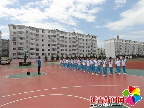河南小学金龙贺:温暖自己是这希望小学的一份的职责组长链条图片