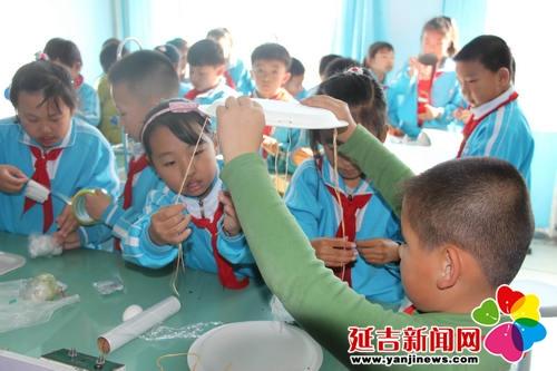 进学小学首届科技竞赛让科学流行起来