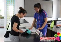 延虹社区联合招工企业  帮助辖区居民解决就业难题