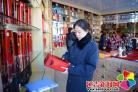 延吉市两家零售商店因经营过期食品接受复检