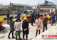 朝阳川镇妇联组织妇女干部及种粮大户代表参观新型农机