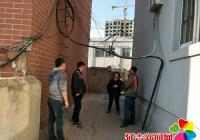 电缆阻碍居民出行  社区及时援手解决