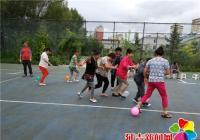 丹光社区开展老年趣味运动会