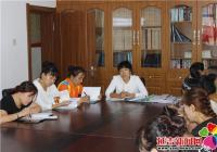 南阳社区学习《国防交通安全法》,提高全民国防安全意识