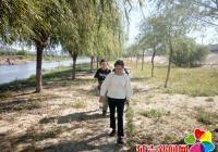 延盛社区巡查布尔哈通河河岸情况