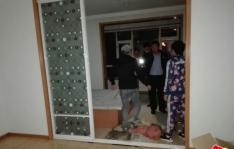 夜晚居民家里漏水严重  社区及时出面解难题