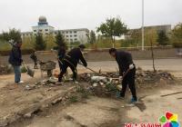 清理建筑垃圾 助力文明城市创建