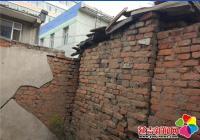 年久失修外墙受损 社区协调消除隐患