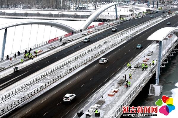 【组图】延吉迎初雪 城市披银装