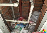 楼道水表冻裂 社区出面解难题