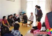 长林社区走进养老互助点开展社工日主题宣传活动