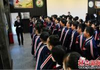 丹岭社区组织学生走进检察院 参观青少年法治教育基地