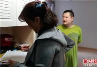 """春阳社区对新入住的领域东城2期开展""""二实""""信息采集工作"""
