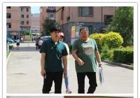 """市人大代表走进延虹社区特殊家庭 给孩子送""""六一""""祝福"""