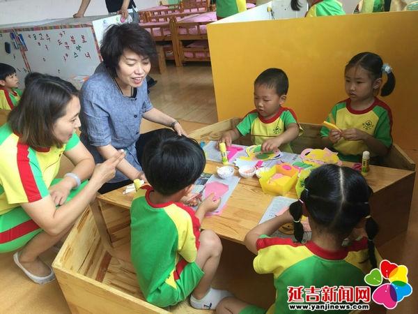 新苗幼儿园组织教师开展区域观摩活动