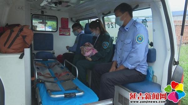 婴儿被遗弃公厕 消防员粪池内奋力施救