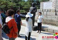 """春阳社区开展""""追忆先烈 不忘初心""""主题党日活动"""