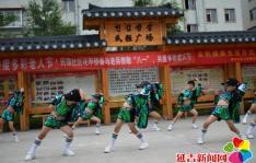"""民强社区花甲侨眷与老兵致敬 """"八一"""",共度多彩老人节"""
