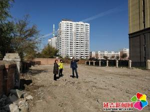 河道垃圾清理新兴街道在行动