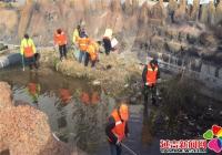 部门联动清理排洪沟  携手创建文明城