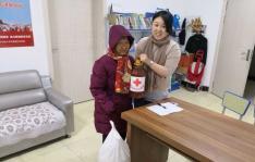 园校社区开展节前慰问活动