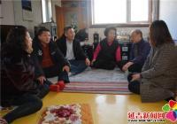 白玉社区携手共驻共建单位慰问失独老人