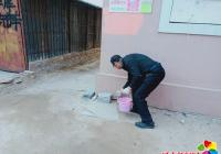 社区开展鼠药投放 助力创城活动