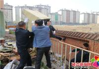 部门联动清理防洪沟无主垃圾  助力创建文明城市