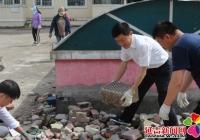 清理乱堆乱放 助力创城工作