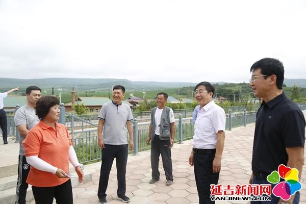 蔡奎龙调研农村人居环境整治情况