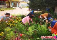 丹延社区开展美化环境助创城活动