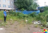 拆除施工遗留建筑 还居民安居环境