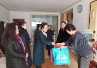 市妇联组织慰问延春社区贫困家庭