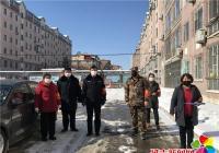 志愿者进白山社区无物业小区 筑牢防疫墙