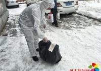 延吉国际空港经济开发区干部下沉社区助力打赢疫情防控阻击战
