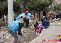 小区荒地铺设方砖  助力创城文明先行