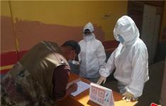 以练备战完善预案——白菊社区开展疫情防控应急演习