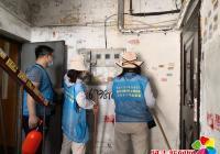 园校社区携手延吉市民宗局开展清理乱贴乱画志愿服务活动