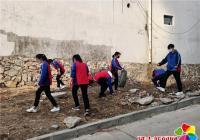 共青团员在行动 清捡垃圾美家园