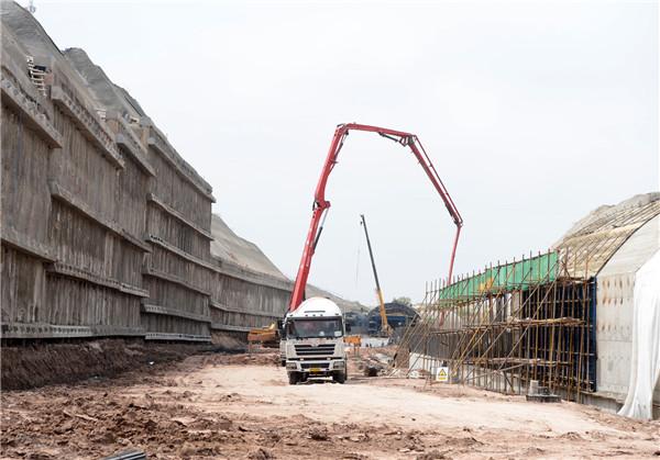 延吉中环路四期工程主框架雏形初显
