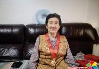 """园辉社区举行""""光荣在党50年""""纪念章颁发仪式"""