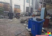 """文河社区联合延吉市环卫处开展""""我为群众办实事""""环境卫生整治活动"""