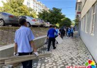 丹岭社区开展乱堆乱放集中清理整治活动